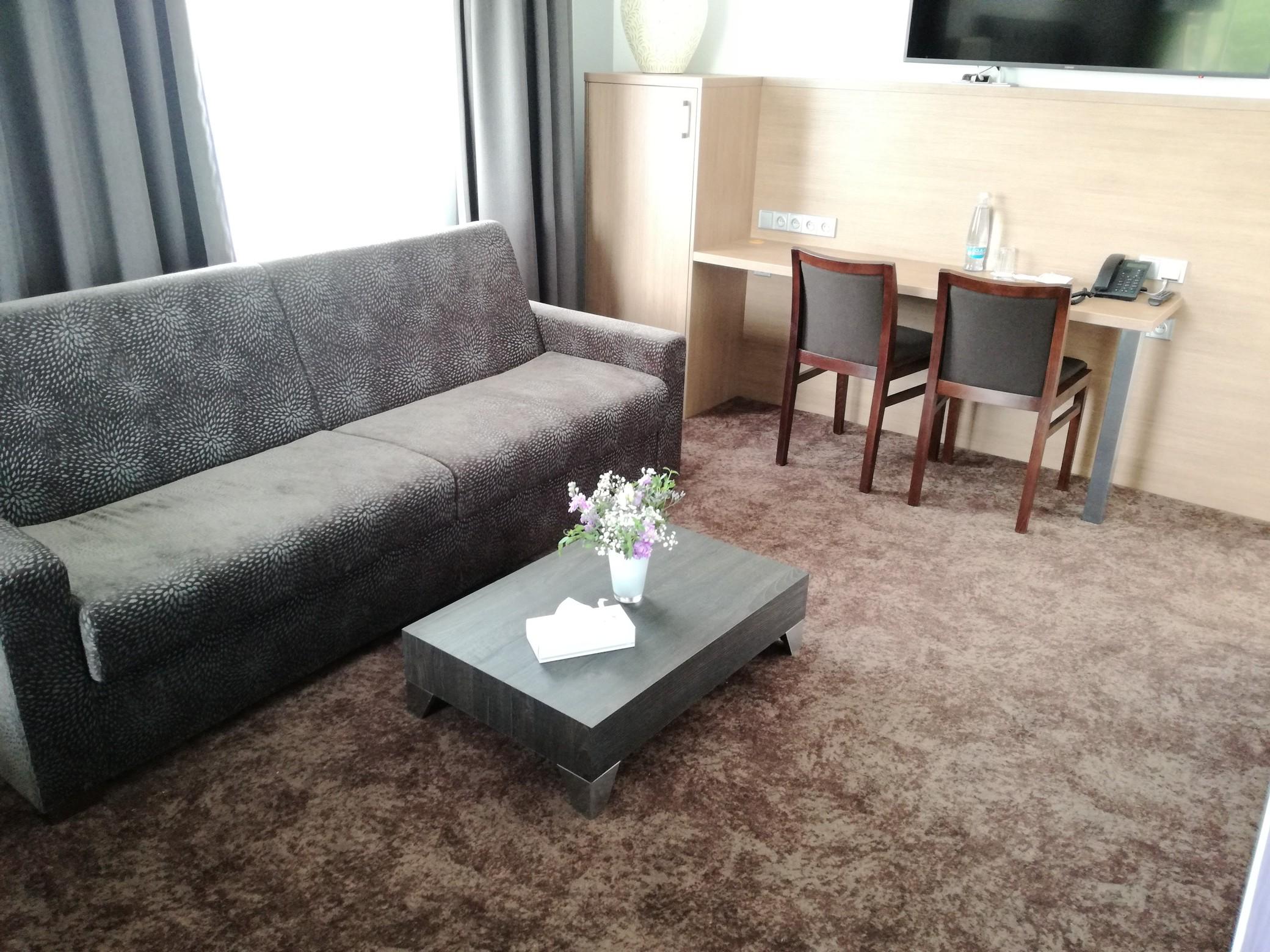 podlahy, podložky, koberce, napínání koberců, hotel